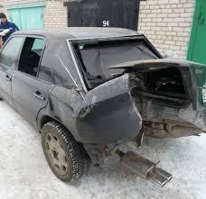 Фото разбитого Mercedes