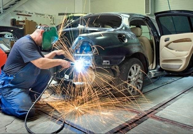 Фото прцесса ремонт авто после ДТП