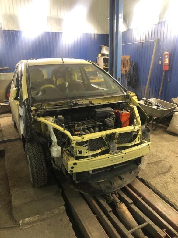 Фото процесса ремонта переда Mitsubishi